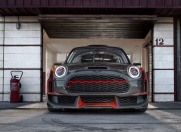 P90275447_highRes_mini-john-cooper-wor